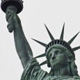 … som nästan alla andra så var vi på båtuyflyckt till frihetsgudinan, efter att ha sett förlagan stående i Seine […]